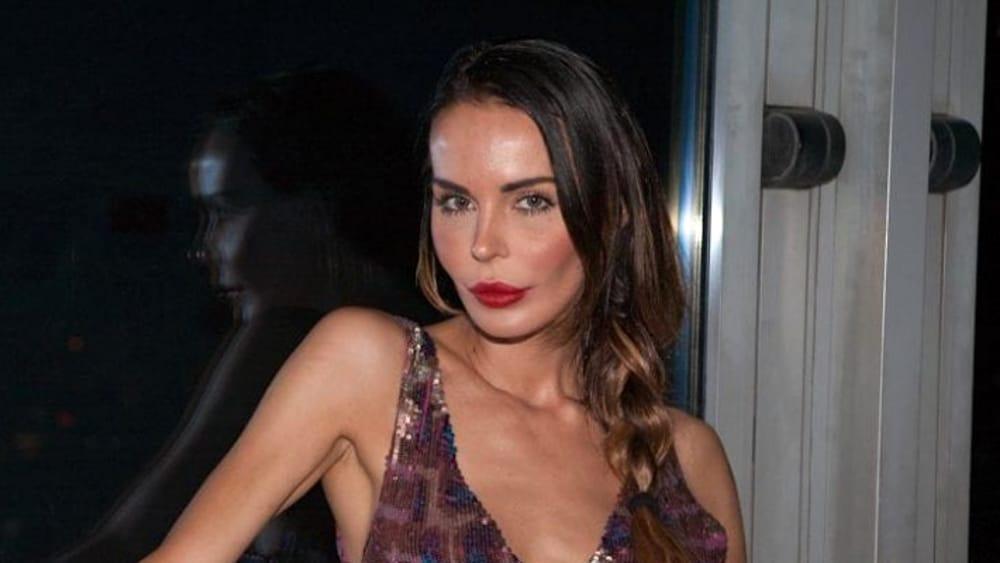 'Belen viado': Nina Moric a processo per gli insulti alla showgirl